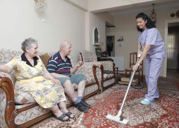 Evde Yaşlı Bakımı
